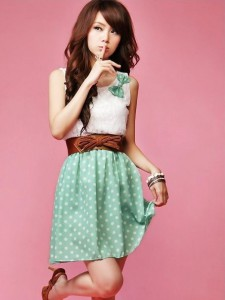 cute-dot-and-lace-dress-2_large.jpg